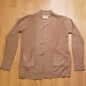 5/$10 Large tan cardigan with pockets